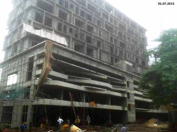 West Block - 10th floor casting completed